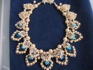 大城明美のビーズネックレス。 襟飾にもなりそうです